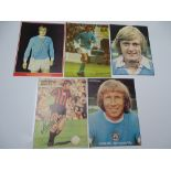 AUTOGRAPHS: 1960S /1980S FOOTBALLERS - MANCHESTER CITY FOOTBALL CLUB: A selection of 5 autographed