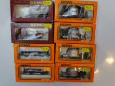 HOm GAUGE MODEL RAILWAYS: A group of BEMO HOm tank and other wagons all in RhB livery - G/VG in F/