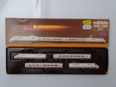 Z GAUGE MODEL RAILWAYS: A MARKLIN mini-club 8871 4 car ICE 1 set - VG in G/VG box