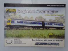 N GAUGE MODEL RAILWAYS: A GRAHAM FARISH 370-280 Regional Commuter train set - complete ex-shop stock