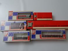 HO GAUGE MODEL RAILWAYS: A small group of French Outline wagons by JOUEF - G/VG in G boxes (6)