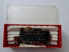 HO GAUGE MODEL RAILWAYS: A RIVAROSSI Italian Outline Gr851 Class steam locomotive in FS black livery