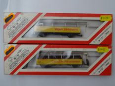 HOm GAUGE MODEL RAILWAYS: A pair of HOm Swiss Outline Tourist Sightseeing wagons by D+R Modellbahn