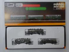 Z GAUGE MODEL RAILWAYS: A MARKLIN mini-club 87670 4-wheel coach set - VG in G/VG box