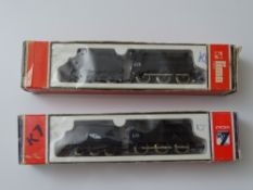 N GAUGE MODEL RAILWAYS: A pair of LIMA Class 4F locomotives in CIE Irish Livery - one with no logo