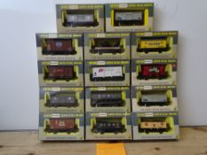 OO GAUGE MODEL RAILWAYS: A group of boxed WRENN wagons as lotted - VG/E in G/VG boxes (14) #5
