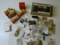 OO GAUGE MODEL RAILWAYS: A large mixed group of HORNBY DUBLO spares and accessories including a
