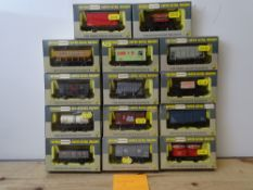 OO GAUGE MODEL RAILWAYS: A group of boxed WRENN wagons as lotted - VG/E in G/VG boxes (14) #4