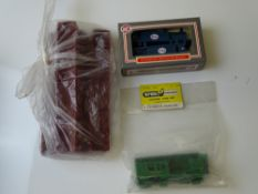 OO GAUGE MODEL RAILWAYS: A group of WRENN unpainted Pullman carriage body shells together with two