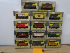 OO GAUGE MODEL RAILWAYS: A group of boxed WRENN wagons as lotted - VG/E in G/VG boxes (14) #17