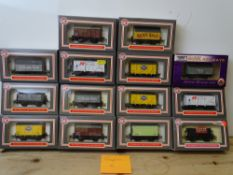 OO GAUGE MODEL RAILWAYS: A group of boxed DAPOL wagons - all ex-WRENN wagons in WR1 and WR3