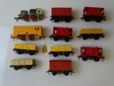 OO GAUGE MODEL RAILWAYS: A rare selection of HORNBY DUBLO starter set locos and wagons from the last