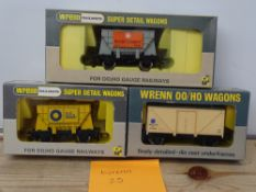 OO GAUGE MODEL RAILWAYS: A group of rarer WRENN wagons to include: W5016 and W5080 cement wagons