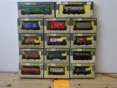 OO GAUGE MODEL RAILWAYS: A group of boxed WRENN wagons as lotted - VG/E in G/VG boxes (14) #1