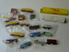 OOO and TT GAUGE MODEL RAILWAYS: A mixed lot of LONESTAR diecast OOO model railways together with