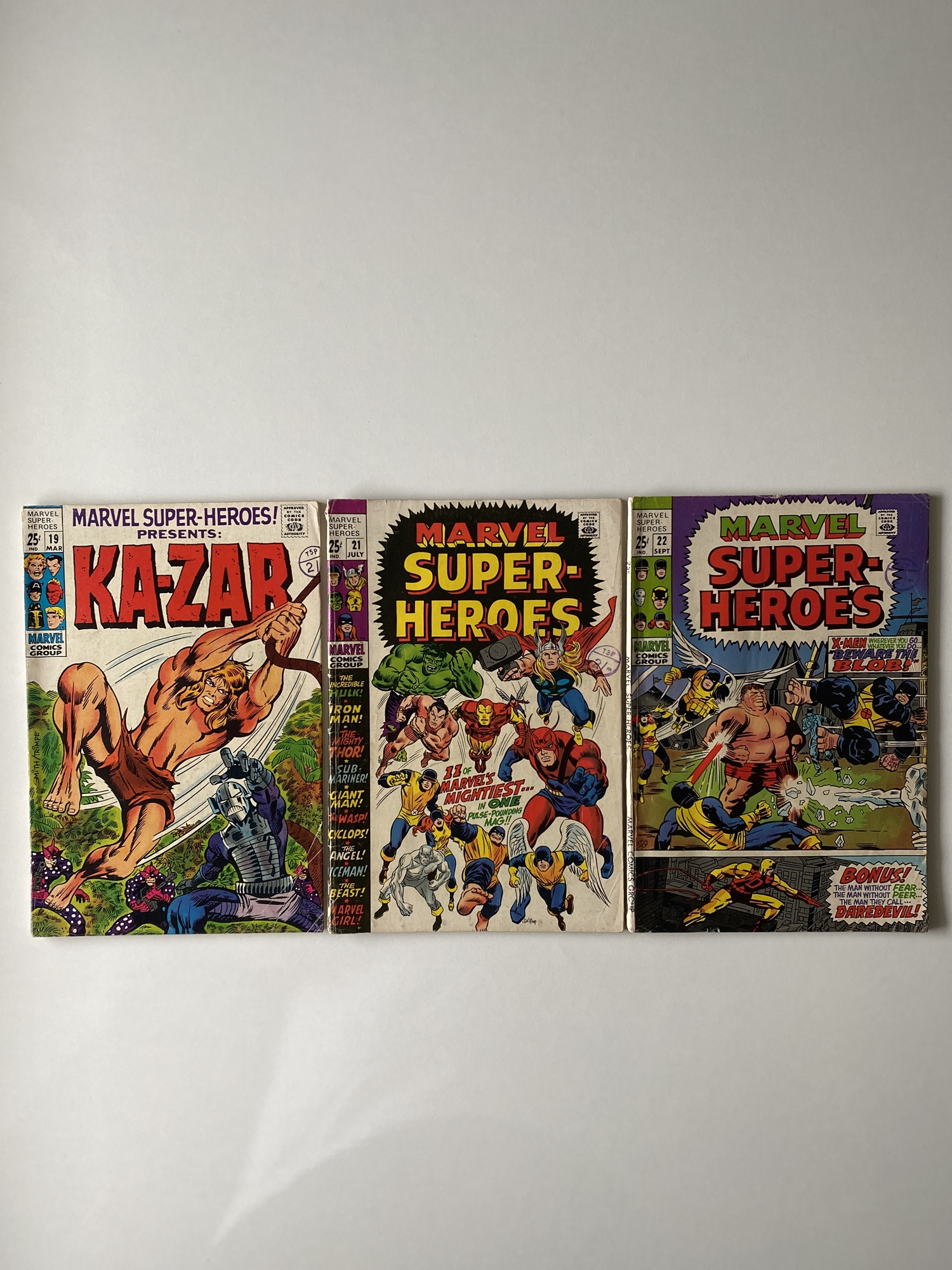 Lot 10 - MARVEL SUPER HEROES # 19, 21, 22 (Group of 3) - (1969 - MARVEL - Cents Copy with Pence Stamp) -
