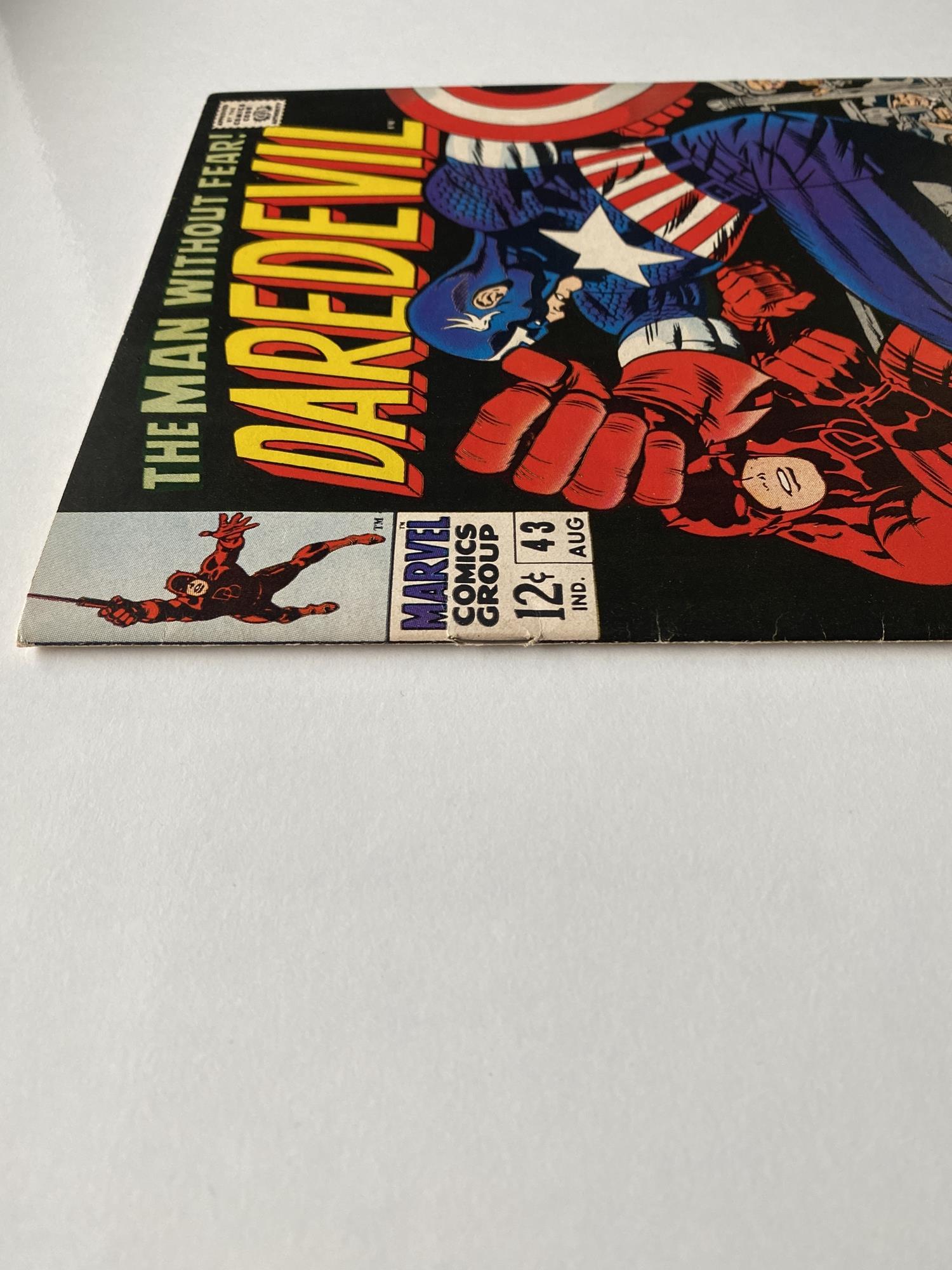 Lot 34 - DAREDEVIL # 43 (1968 - MARVEL - Cents Copy) - Classic Jack Kirby cover as Daredevil battles