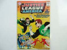JUSTICE LEAGUE OF AMERICA # 30 (1964 - DC - Cents Copy) - Justice Society of America crossover story