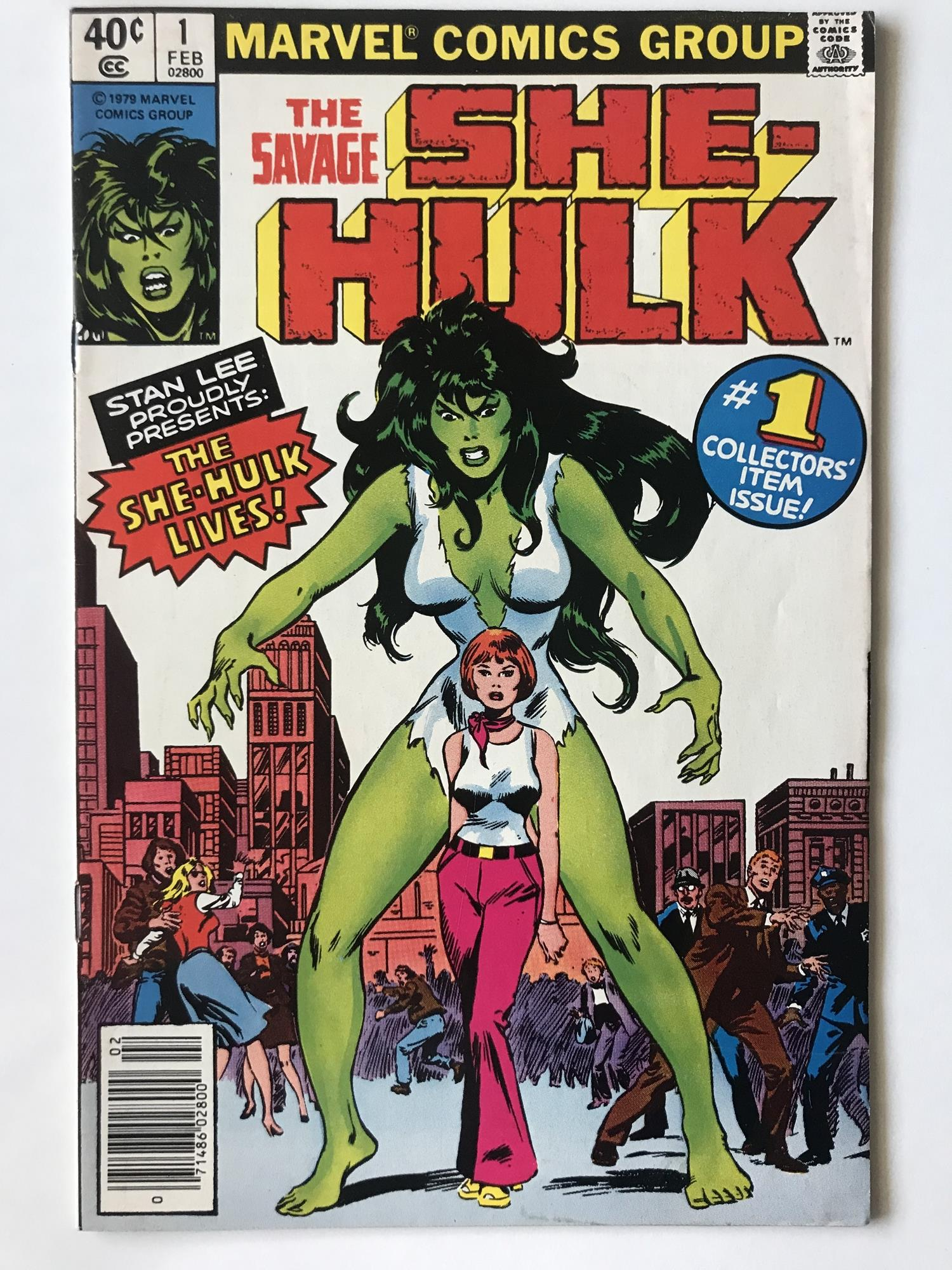 Lot 41 - SAVAGE SHE-HULK # 1 (1979 - MARVEL - Cents Copy) - Origin and first appearance of She-Hulk, whose TV