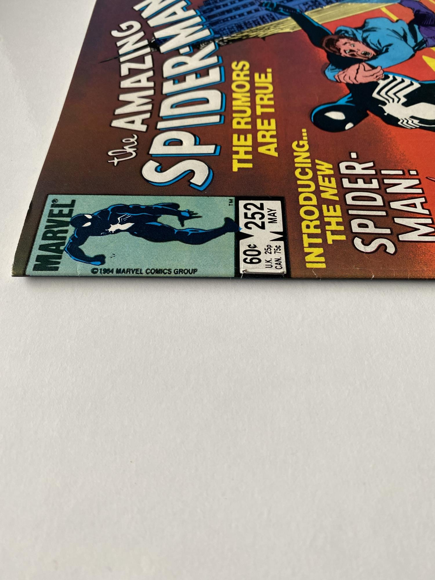 Lot 24 - AMAZING SPIDER-MAN # 252 (1984 - MARVEL - Cents/Pence Copy) -