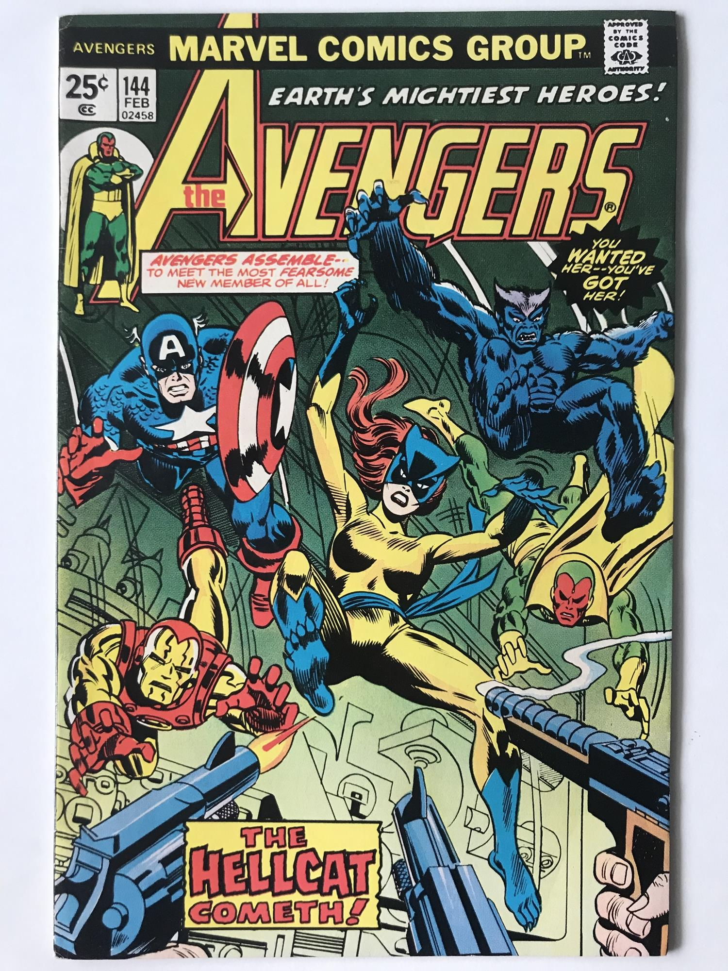 Lot 45 - AVENGERS # 144 (1976 - MARVEL - Cents Copy) - Origin and first appearance of Hellcat (Patsy Walker