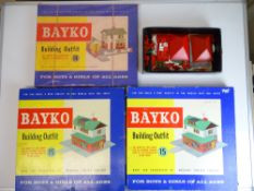 VINTAGE TOYS: A group of later BAYKO building sets