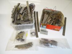 N SCALE MODEL RAILWAYS: A large quantity of mixed