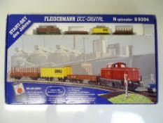 N SCALE MODEL RAILWAYS: A FLEISCHMANN 8 9394 DCC d