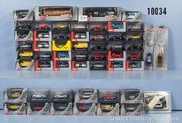 Konv. ca. 130 Schuco Modellfahrzeuge, dabei Einsatzfahrzeuge, Pkw, VW-Busse, Schlüsselanhänger,
