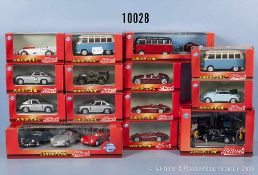 Konv. 16 Schuco Junior Line Modellfahrzeuge, dabei Werkstatt-Diorama, VW-Busse, Sportwagen,