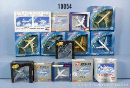 Konv. 28 Modellflugzeuge, Fertigmodelle, dabei Airbus A 340-200, DC-8, Boeing 747, DC-10 usw.,