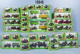 Konv. 35 Siku Farmer Modellfahrzeuge, dabei Traktoren, Anhänger, Lkw mit 2 Traktoren usw.,