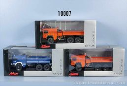 Konv. 3 Schuco Modellfahrzeuge MAN KAT 1 6X6, 2 x Katastrophenschutz, 1 x THW, lack.
