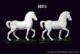 Konv. Rosenthal Porzellan, 2 weiße Pferde, mattes Porzellan, Cavallo di San Marco, auf jeweils einer