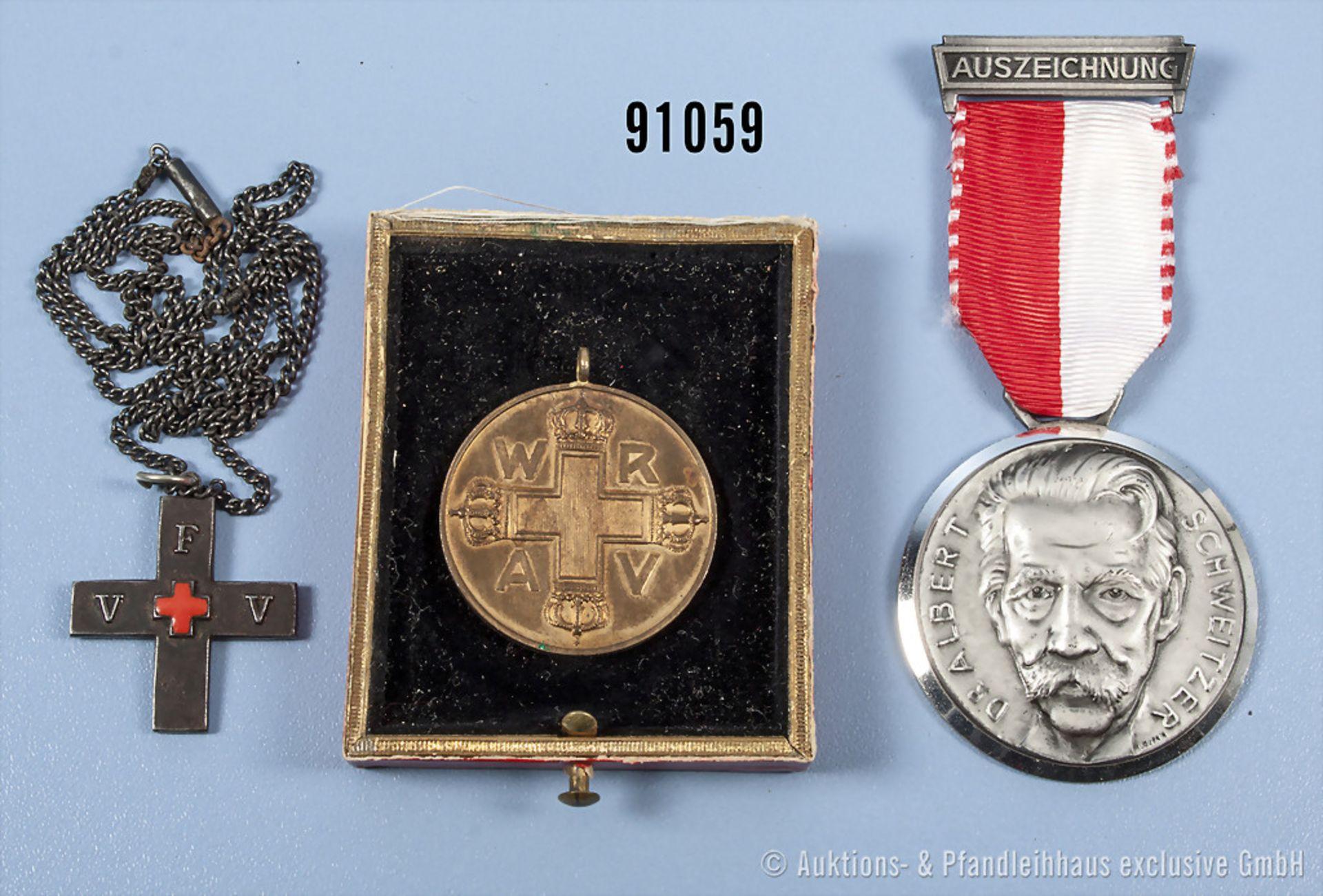 Konv. Preußen Rot-Kreuz-Medaille 3. Klasse, ohne Bandring, beschädigtes Etui, Eisenkreuz vom
