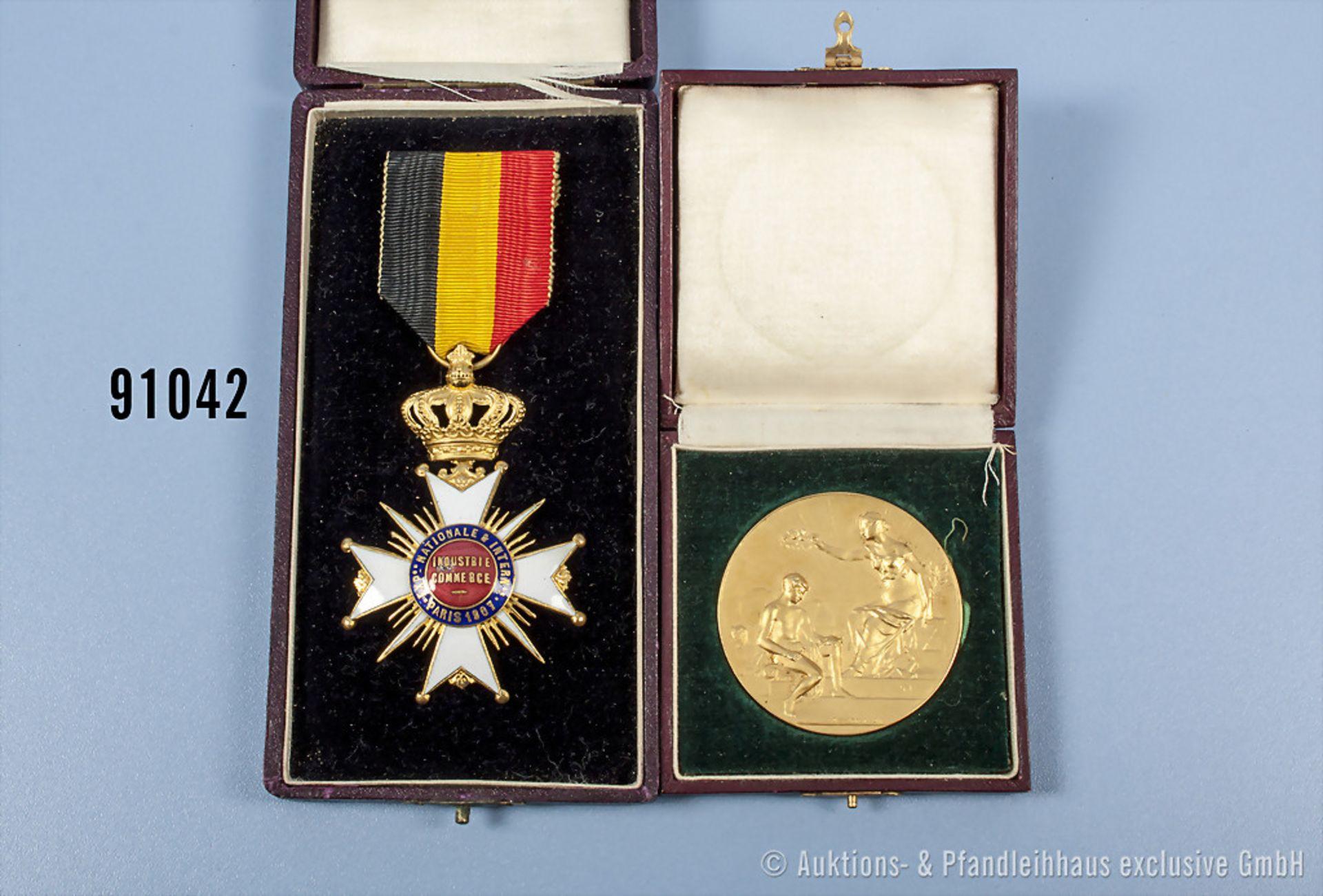 """Konv. 2 Auszeichnungen der EXPO Paris 1907, silbervergoldete Medaille """"Exposition Internationale"""