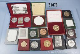 Konv. ca. 20 Medaillen und Plaketten DDR, NVA und Volkspolizei, in dazugehörigen Etuis, versch.