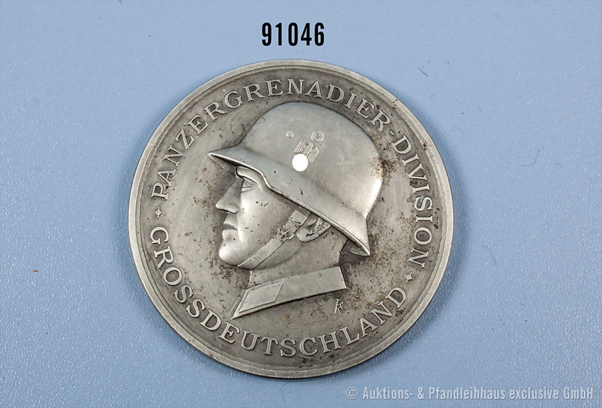 """Medaille 2. WK """"Panzergrenadier-Division Großdeutschland"""", rückseitig EK-Motiv und """"Die Heimat dankt"""