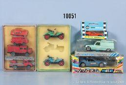 Konv. 9 Modellfahrzeuge, dabei Oldtimer, Einsatzfahrzeuge, Sportwagen usw., Metall- und