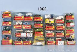 Konv. 25 Schuco Piccolo Fahrzeuge, dabei Pkw, Transporter, Sportwagen usw., lack. Metallgußausf.,