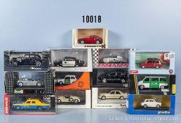 Konv. 13 Modellfahrzeuge, dabei Olditmer, Sportwagen, Einsatzfahrzeuge usw., Metallausf., M 1:43,