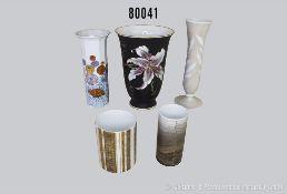 Konv. 5 verschiedene Rosenthal Porzellanvasen, verschiedene Dekore und Künstler u.a. Björn Wiinblad,