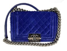 Chanel - Boy bag 20 cm - Boy bag 20 cm - Purple velvet quilted 20 cm Boy bag, [...]