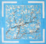 Hermès - Foulard - Foulard - Voile scarf with branches and birds, white and [...]