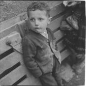 Enrico Pasquali (1923) - Untitled (Child), years 1950 - Gelatin silver print, [...]