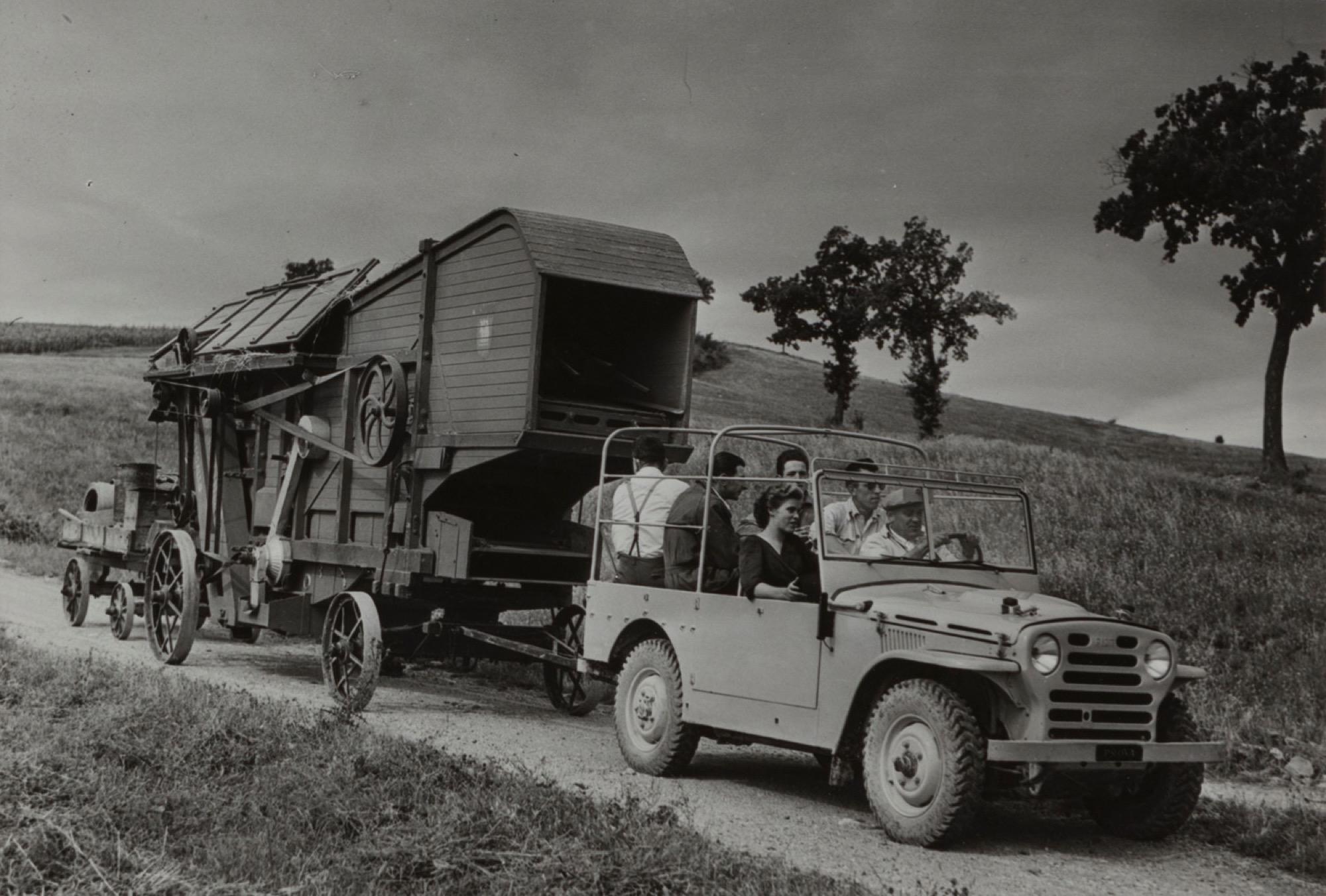 Riccardo Moncalvo (1915-2008) - Il lavoro nei campi, Langhe, years 1940 - Vintage [...]