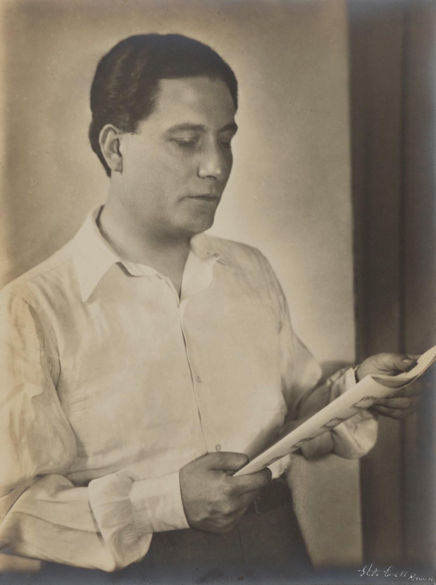 Ghitta Carell (1899-1972) - The composer Mario Peragallo, 1937 - Vintage gelatin [...]