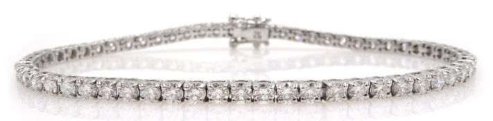 18ct white gold diamond line bracelet, stamped 750 diamond total weight approx 5.18 carat