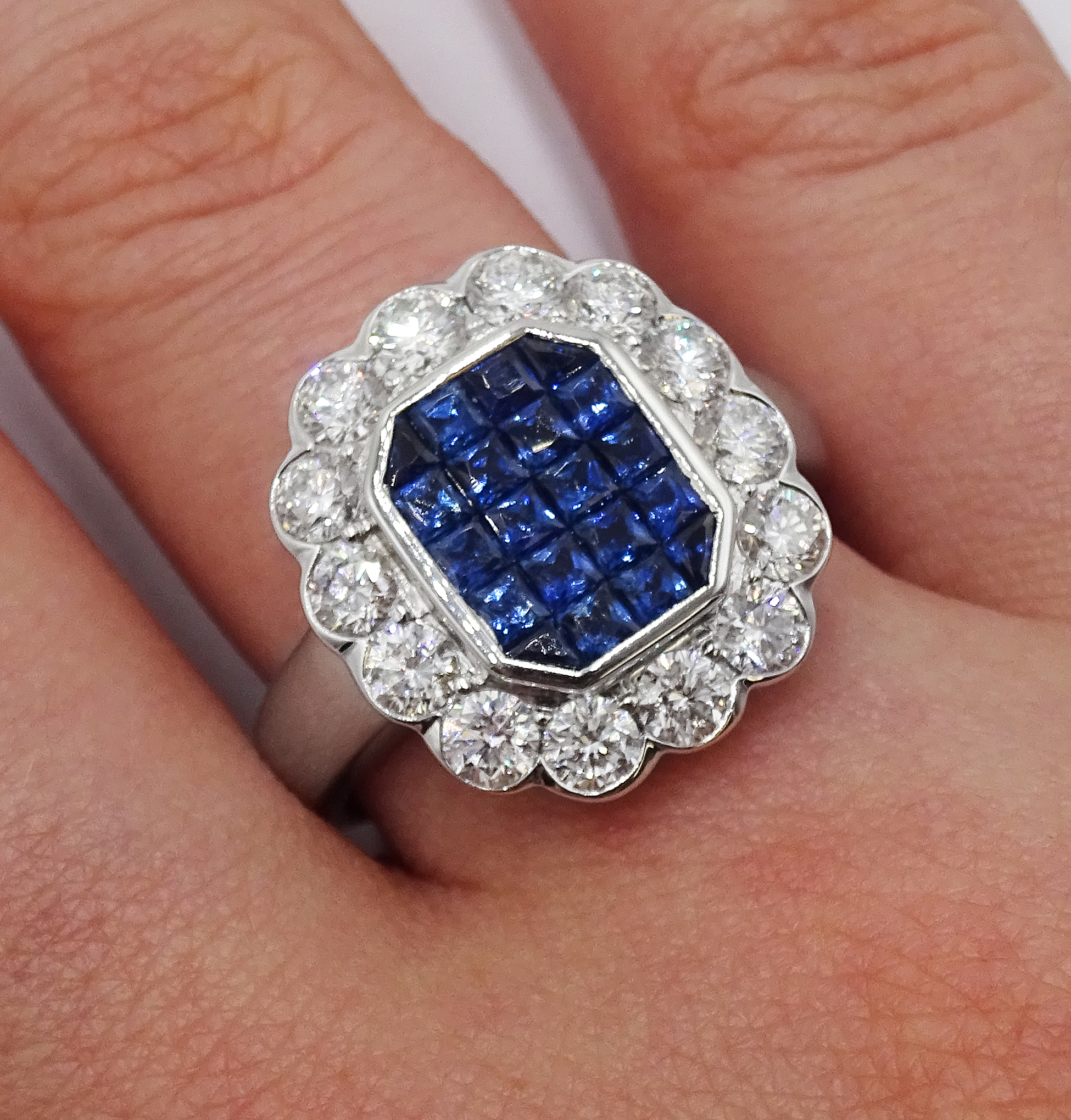 18ct white gold, sapphire and diamond cluster ring, sapphire total weight 2.10 carat, diamond - Image 2 of 5
