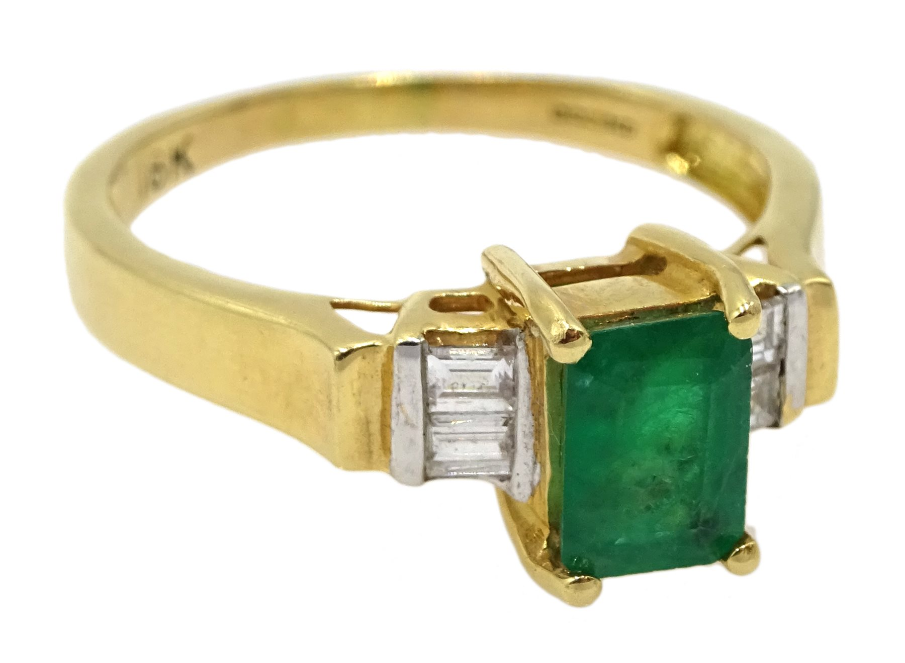 18ct gold emerald ring, with four baguette diamonds either side, hallmarked, emerald approx 0.80 - Image 3 of 4
